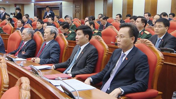 Chùm ảnh: Trung ương khóa XIII họp bầu Bộ Chính trị, Tổng Bí thư - Ảnh 10.