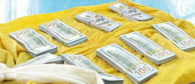 CLIP: Công an An Giang mật phục phá chuyên án vận chuyển 86.200 USD - Ảnh 3.