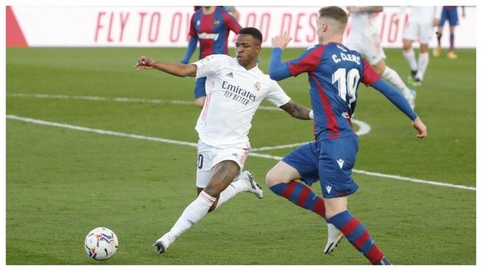 Thẻ đỏ nghiệt ngã, Real Madrid bị Levante quật ngã trên sân nhà - Ảnh 7.