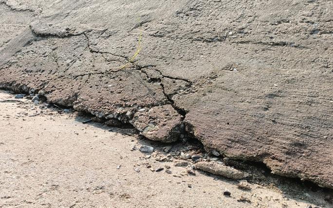 Kênh 4.300 tỉ đứt gãy giữa mùa khô: Lộ nhiều điểm nứt, hư hỏng sau sự cố - Ảnh 9.