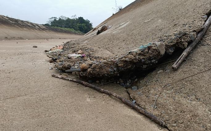 Kênh 4.300 tỉ đứt gãy giữa mùa khô: Lộ nhiều điểm nứt, hư hỏng sau sự cố - Ảnh 17.