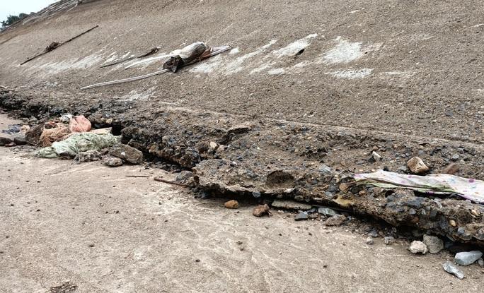 Kênh 4.300 tỉ đứt gãy giữa mùa khô: Lộ nhiều điểm nứt, hư hỏng sau sự cố - Ảnh 8.