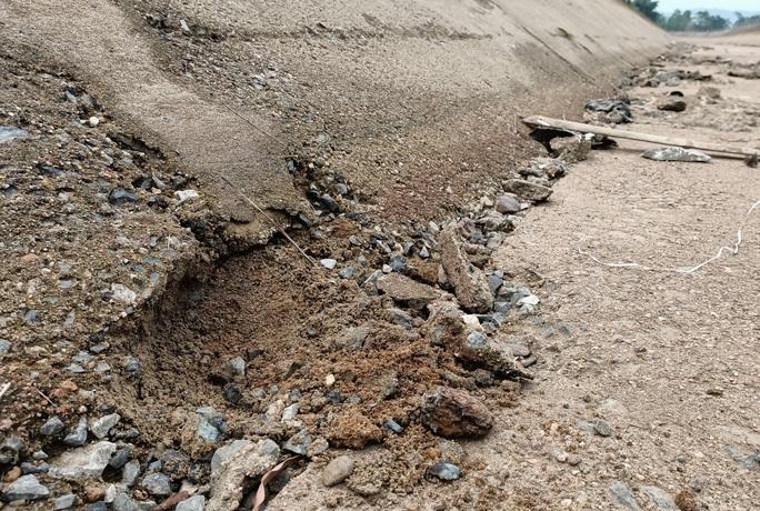 Kênh 4.300 tỉ đứt gãy giữa mùa khô: Lộ nhiều điểm nứt, hư hỏng sau sự cố - Ảnh 11.
