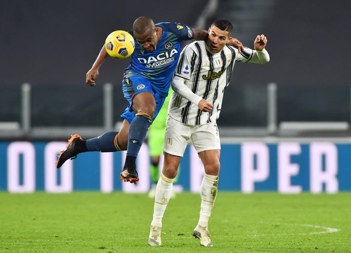 Lập cú đúp bàn thắng, Ronaldo đánh bại kỷ lục của vua Pele - Ảnh 3.