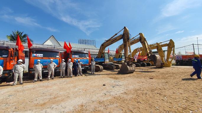Thủ tướng phát lệnh khởi công tuyến cao tốc Mỹ Thuận - Cần Thơ - Ảnh 4.