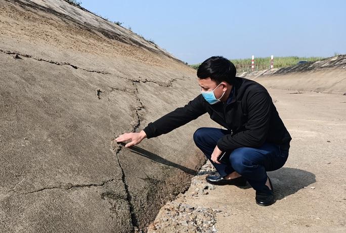 Kênh 4.300 tỉ đứt gãy giữa mùa khô: Lộ nhiều điểm nứt, hư hỏng sau sự cố - Ảnh 3.