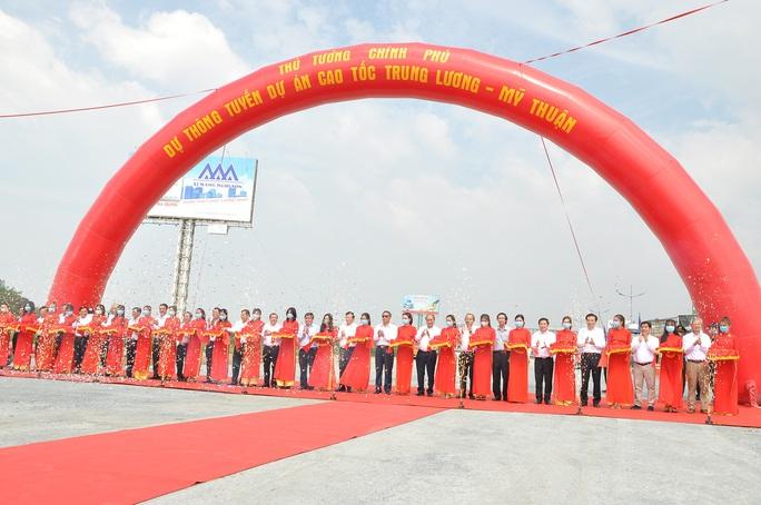 Thủ tướng cắt băng thông tuyến cao tốc Trung Lương - Mỹ Thuận - Ảnh 3.