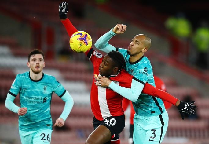Bại trận vì cố nhân, Liverpool lung lay ngôi đầu Ngoại hạng - Ảnh 5.