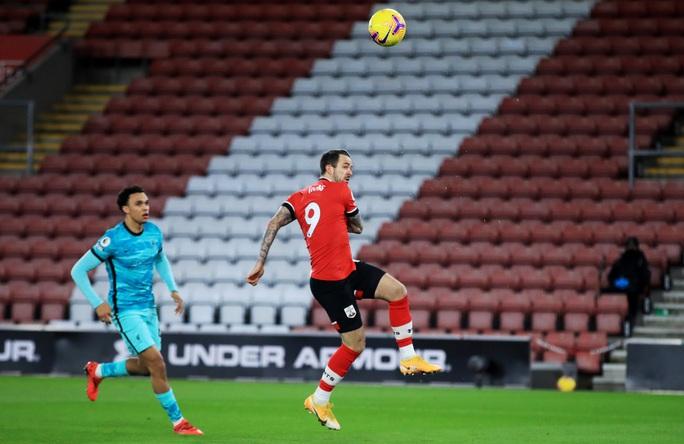 Trắng tay trước Southampton, Liverpool chỉ trích trọng tài và... Man United - Ảnh 2.