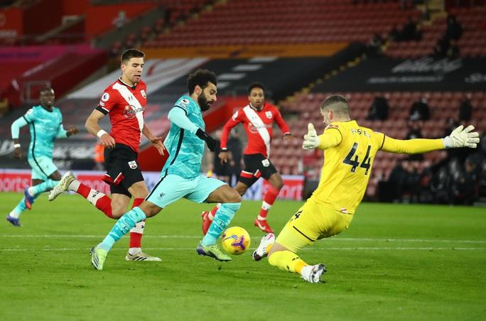 Trắng tay trước Southampton, Liverpool chỉ trích trọng tài và... Man United - Ảnh 1.