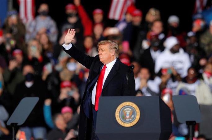 Tổng thống Trump quyết chiến đấu hết mình để giữ Nhà Trắng - Ảnh 1.