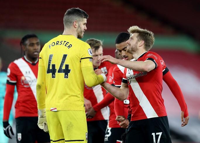 Trắng tay trước Southampton, Liverpool chỉ trích trọng tài và... Man United - Ảnh 6.