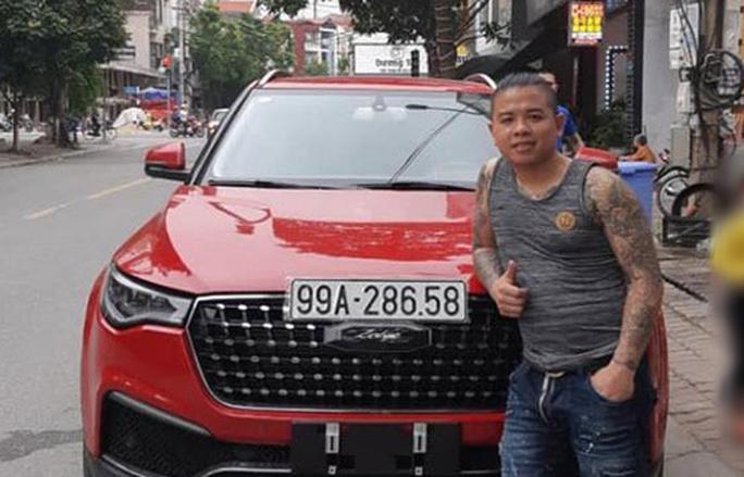 Thánh chửi Dương Minh Tuyền ở đâu khi xe ôtô bị nã đạn hoa cải? - Ảnh 1.