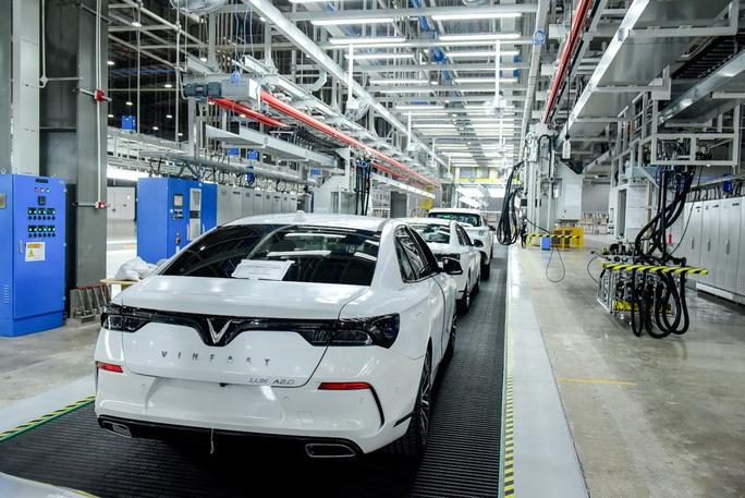 Nhà máy ôtô VinFast nộp ngân sách gần 5.000 tỉ đồng - Ảnh 1.