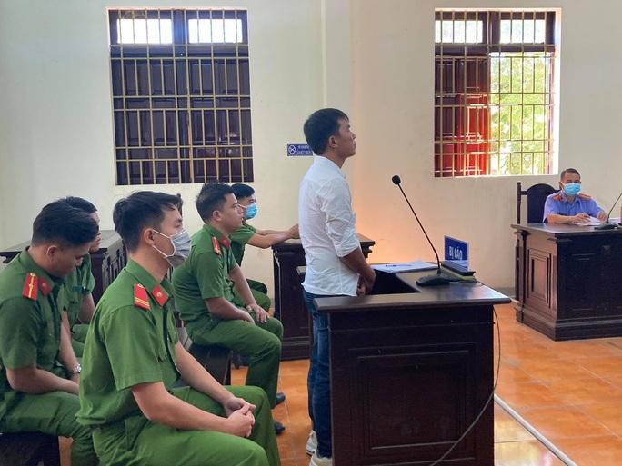 Đồng Nai: Nói xấu 2 nữ lãnh đạo huyện trên Facebook, nam thanh niên lãnh án - Ảnh 1.