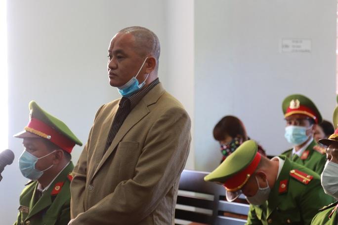 CLIP: Bất ngờ lời khai tại tòa của bí thư xã giết người - Ảnh 4.