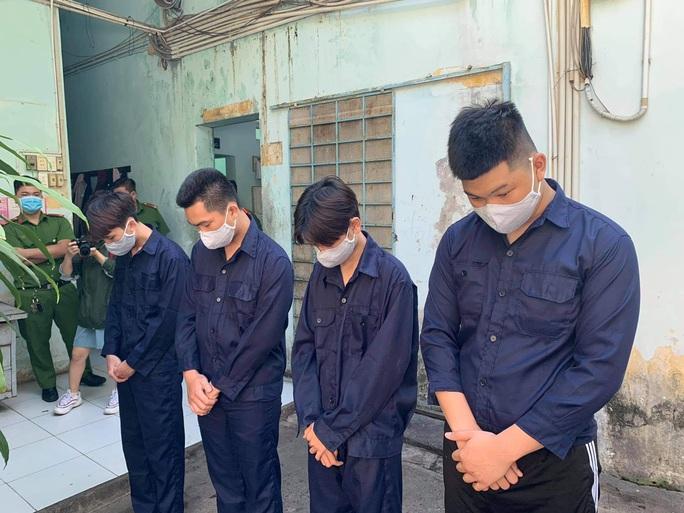 Hai nhóm thanh niên huyết chiến kinh hoàng, 3 người thương tích ở quận Tân Bình - Ảnh 1.