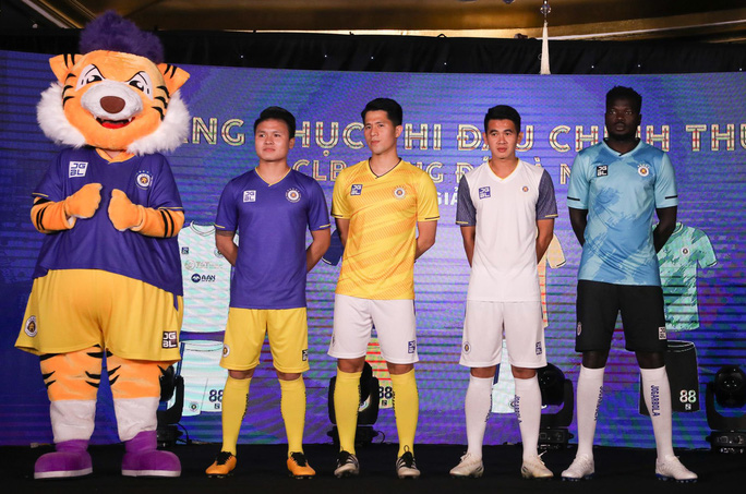 HLV Chu Đình Nghiêm: Hà Nội FC sẽ gặp nhiều khó khăn khi đối đầu CLB HAGL của Kiatisuk - Ảnh 2.