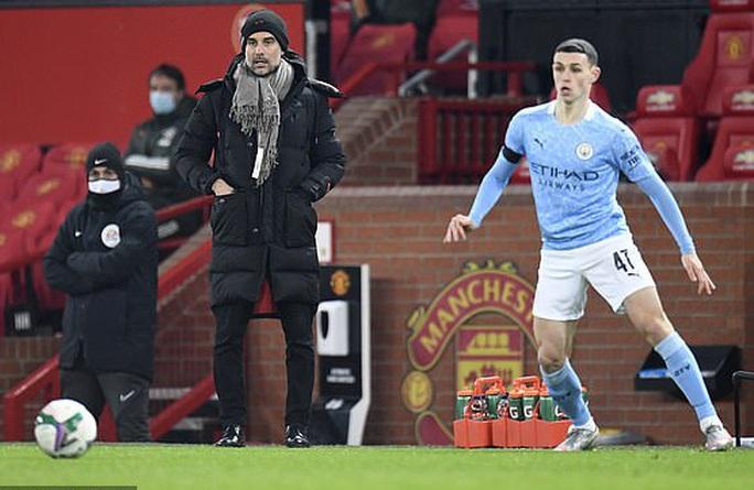 Lập cú đúp ở Old Trafford, Man City đoạt vé chung kết League Cup - Ảnh 3.