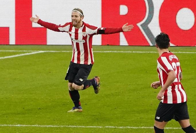 Messi lập cú đúp trước Bilbao, Barca áp sát 2 kình địch Madrid - Ảnh 6.