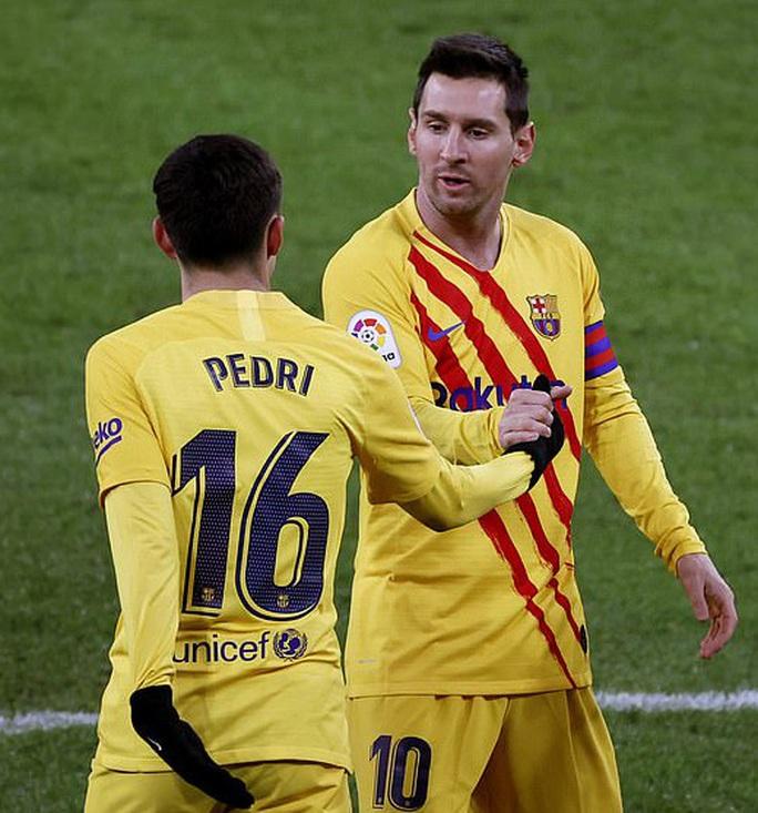 Messi lập cú đúp trước Bilbao, Barca áp sát 2 kình địch Madrid - Ảnh 4.