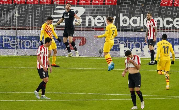 Messi lập cú đúp trước Bilbao, Barca áp sát 2 kình địch Madrid - Ảnh 3.