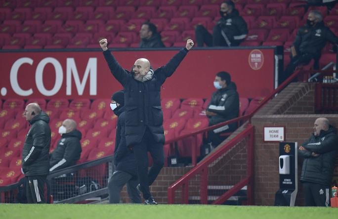 Lập cú đúp ở Old Trafford, Man City đoạt vé chung kết League Cup - Ảnh 7.