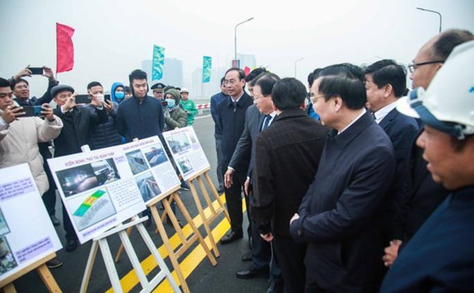 CLIP: Thông xe cầu Thăng Long sau gần 5 tháng sửa chữa - Ảnh 7.