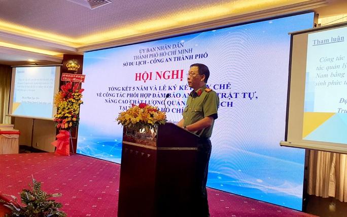 Nhiều người nước ngoài mượn cớ vào Việt Nam du lịch để tổ chức cá cược, lừa đảo... - Ảnh 1.