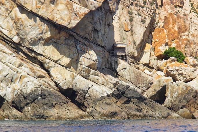Bãi tắm đôi trên Hòn Nội, tuyệt tác thiên nhiên - Ảnh 3.