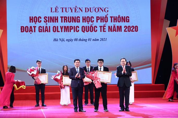 Thủ tướng Nguyễn Xuân Phúc nhắn nhủ các tài năng trẻ nỗ lực vươn lên với những đam mê khát khao - Ảnh 3.