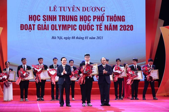 Thủ tướng Nguyễn Xuân Phúc nhắn nhủ các tài năng trẻ nỗ lực vươn lên với những đam mê khát khao - Ảnh 1.