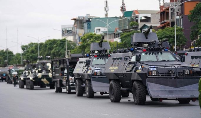 Cận cảnh diễn tập bảo vệ nguyên thủ khi có khủng bố - Ảnh 6.