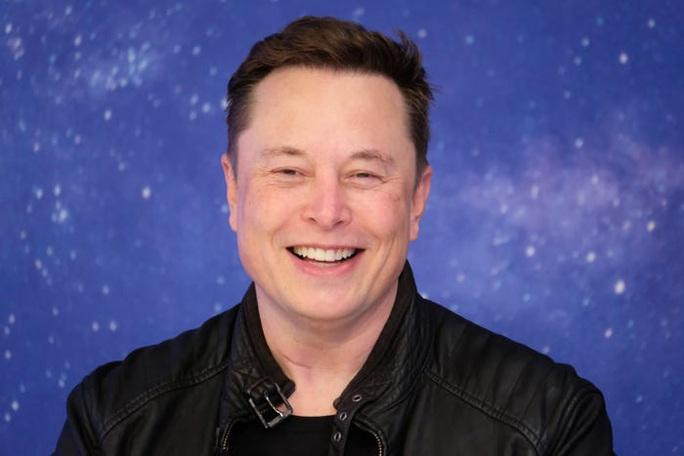 Phản ứng lạ của tỉ phú Elon Musk khi trở thành người giàu nhất thế giới - Ảnh 1.
