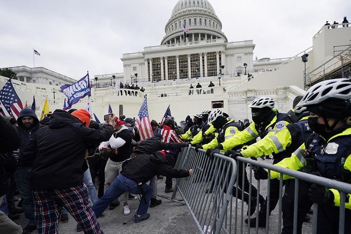 TT Trump dịu giọng kêu gọi hòa giải, đối mặt nguy cơ bị điều tra  - Ảnh 3.