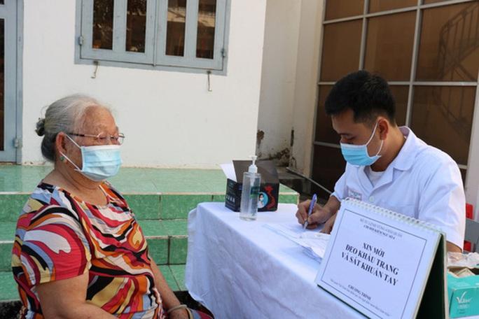 Trao tặng 2.500 lá cờ Tổ quốc tại 2 tỉnh Bình Thuận và Bình Phước - Ảnh 1.