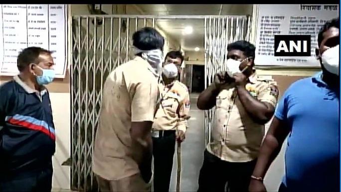 Ấn Độ: Hỏa hoạn tại bệnh viện, 10 trẻ sơ sinh thiệt mạng - Ảnh 1.