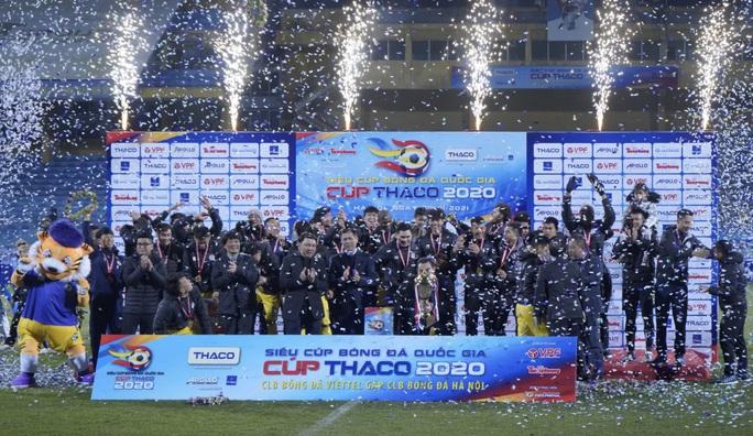 Đánh bại CLB Viettel với tỉ số sít sao 1-0, CLB Hà Nội giành Siêu Cup quốc gia - Ảnh 9.