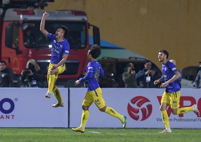 Đánh bại CLB Viettel với tỉ số sít sao 1-0, CLB Hà Nội giành Siêu Cup quốc gia - Ảnh 8.