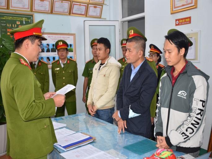 Chiêu thức móc túi tiền bảo hiểm của bác sĩ, điều dưỡng ở Quảng Nam - Ảnh 1.