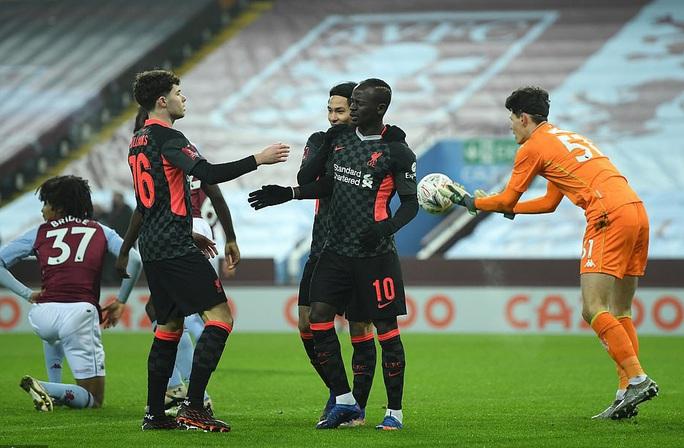 Năm phút ghi 3 bàn, Liverpool đè nghiến chủ nhà Aston Villa ở FA Cup - Ảnh 3.