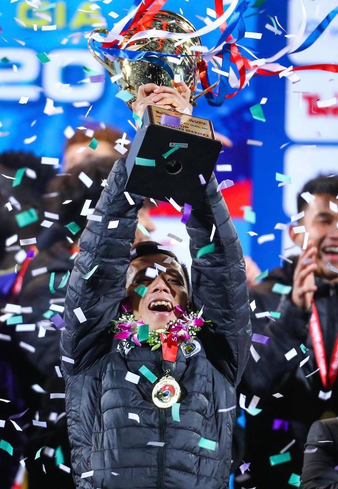 Đánh bại CLB Viettel với tỉ số sít sao 1-0, CLB Hà Nội giành Siêu Cup quốc gia - Ảnh 17.