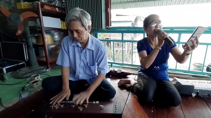 VIDEO: Cây đàn độc nhất vô nhị ở Việt Nam ra đời thế nào? - Ảnh 4.