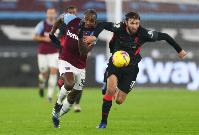 Hung thần Salah tỏa sáng, Liverpool bùng nổ hạ đẹp West Ham - Ảnh 1.