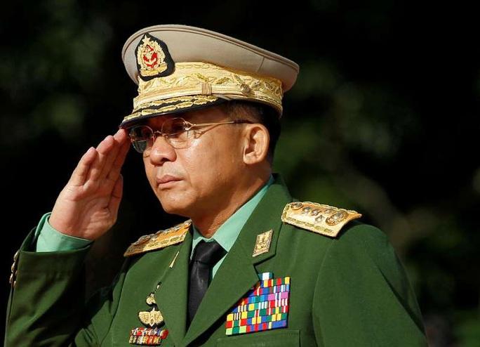 Tổng tư lệnh quân đội vừa nắm quyền ở Myanmar là ai? - Ảnh 1.