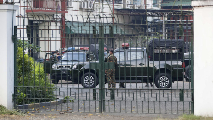 Tổng tư lệnh quân đội vừa nắm quyền ở Myanmar là ai? - Ảnh 3.