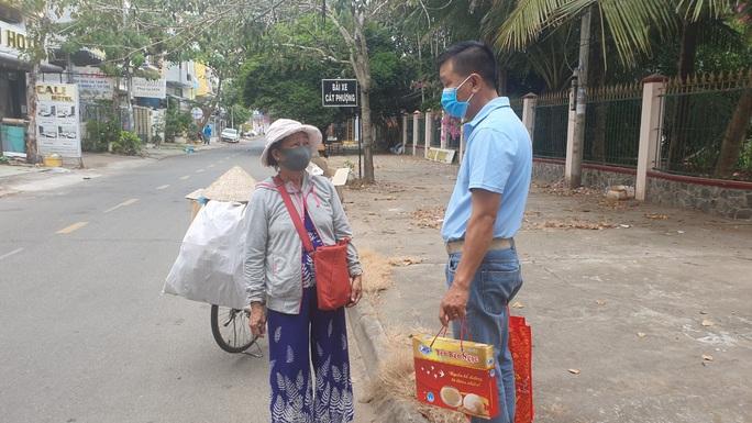 Tết ấm cho người vô gia cư trao quà cho người dân tại Cần Thơ - Ảnh 14.