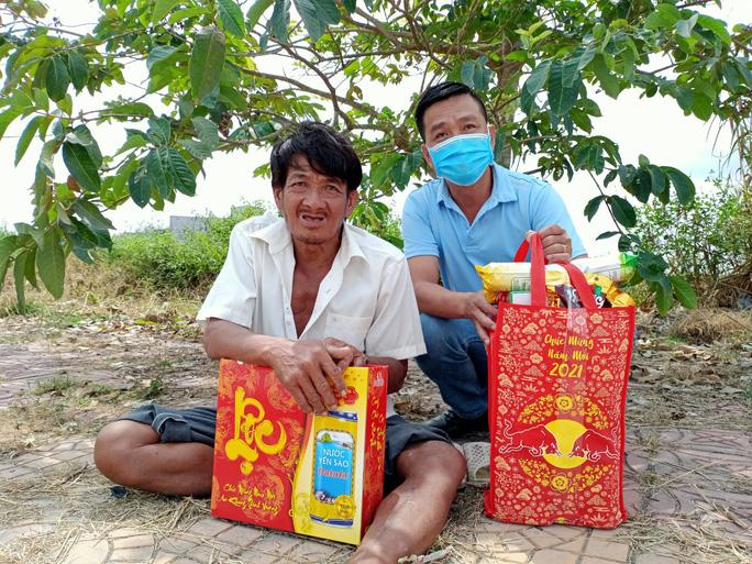 Tết ấm cho người vô gia cư trao quà cho người dân tại Cần Thơ - Ảnh 19.