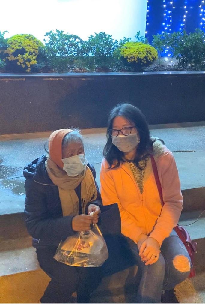 Tết ấm cho người vô gia cư tại Hà Nội - Ảnh 2.