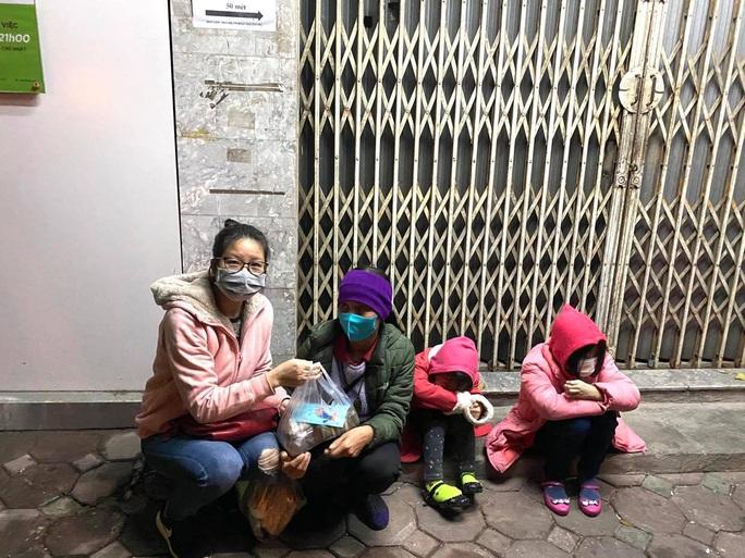 Tết ấm cho người vô gia cư tại Hà Nội - Ảnh 4.